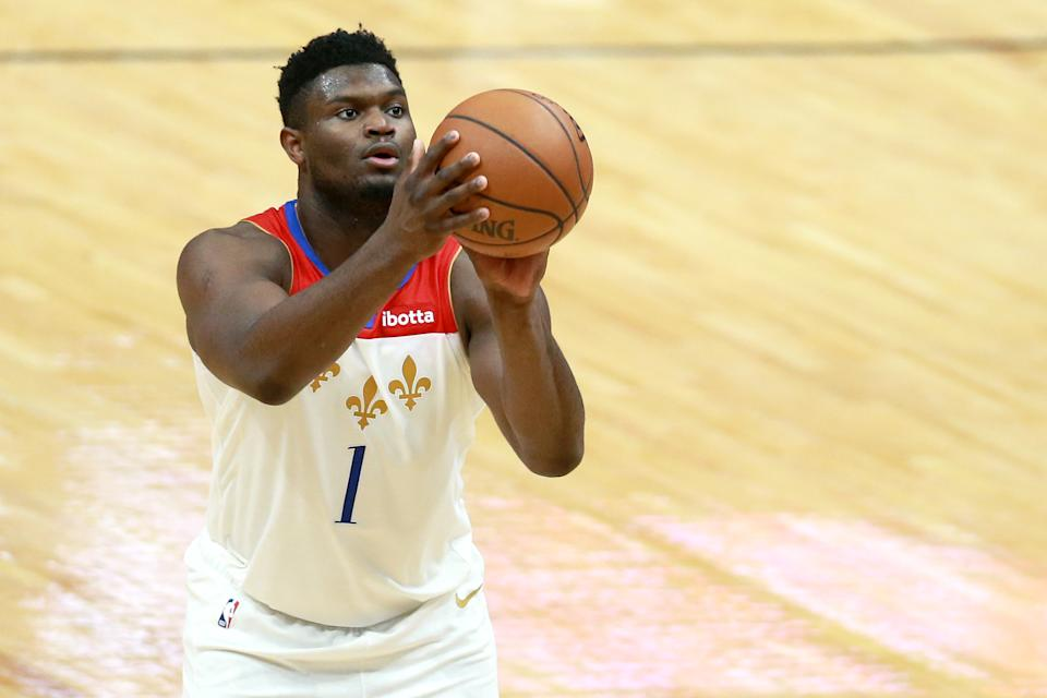 Zion Williamson shoots a free throw.