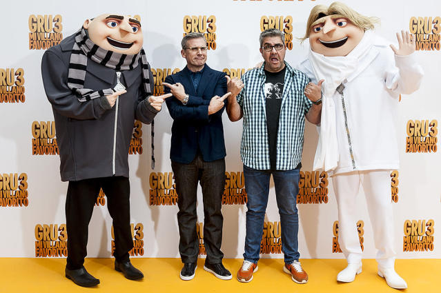 <p>In Madrid, the <i>Despicable Me 3</i> voices ran into a couple of familiar characters from the animated film. (Photo: Juan Naharro Gimenez/Getty Images) </p>