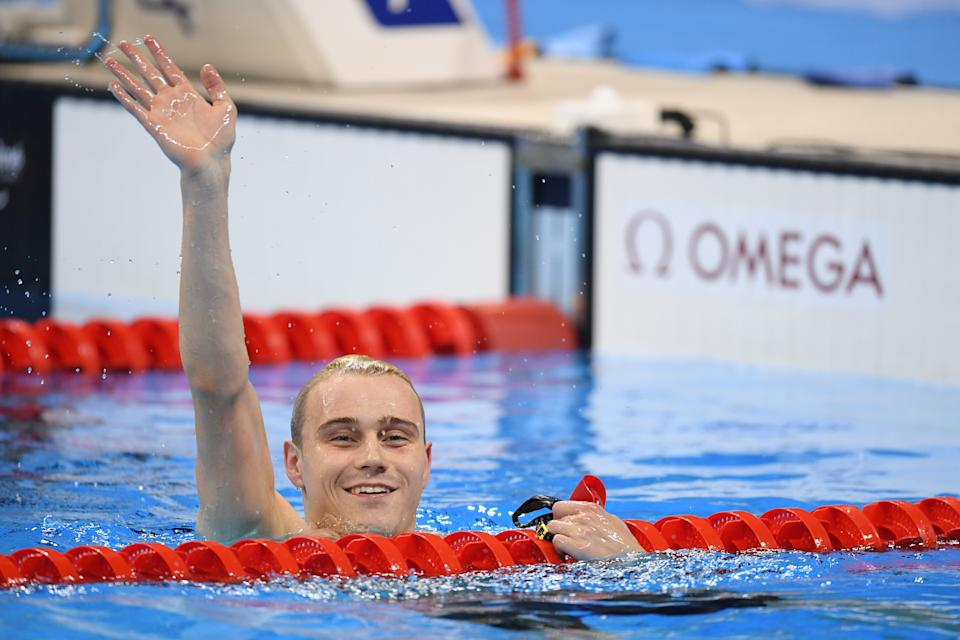 Hynd in the water following the Men's 400m Freestyle S8 Final at Rio 2016 (Credit: AFLO SPORT)
