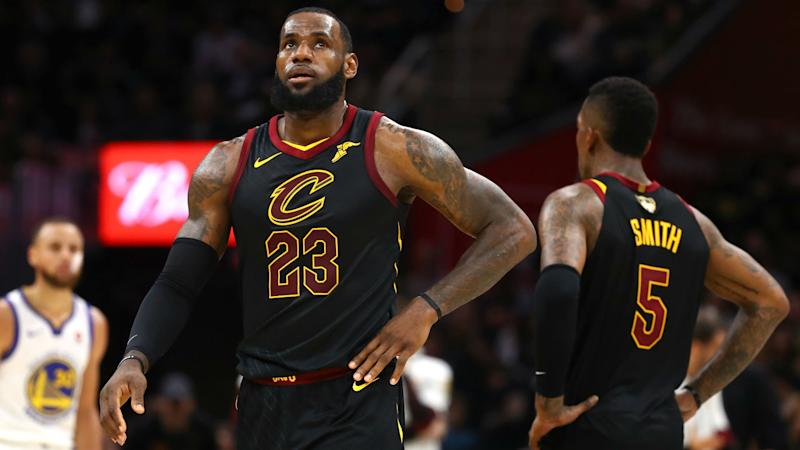 pretty nice 0a67e 21824 LeBron James starts new chapter with Lakers, leaving Cavs ...