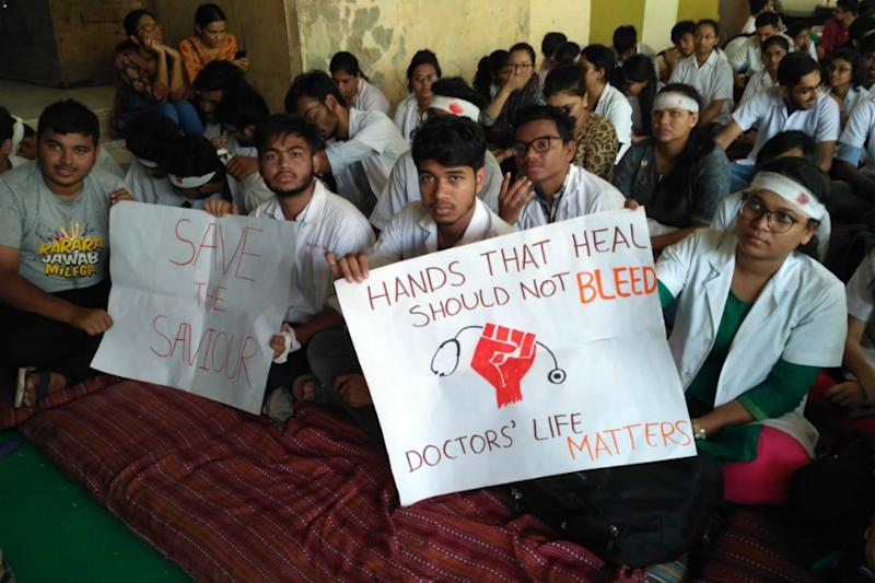 IMA Extends Support to Protesting Karnataka Doctors; Call for 24-Hour OPD Closure Across State