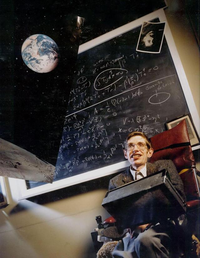 "<p>Professor Stephen Hawking on set of Spielberg's TV production ""Brief History of Time."" (Photo: Avalon via ZUMA Press) </p>"