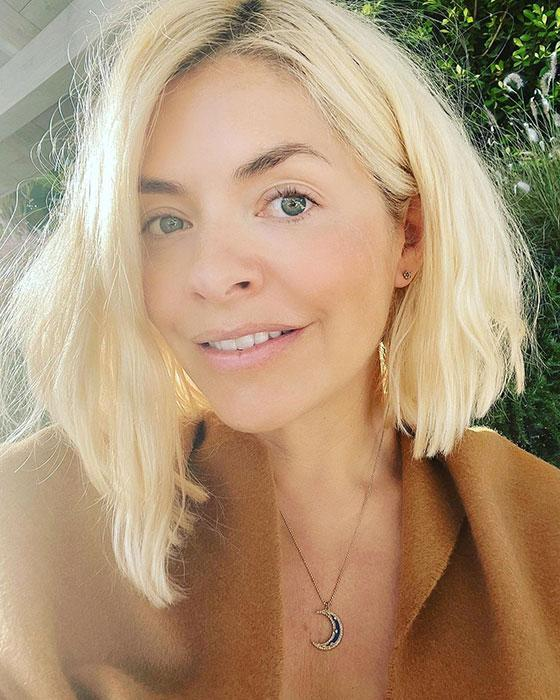 holly-willoughby-makeup-free-selfie