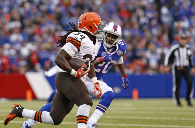 Cleveland Browns re-sign Isaiah Crowell with 2017 tender