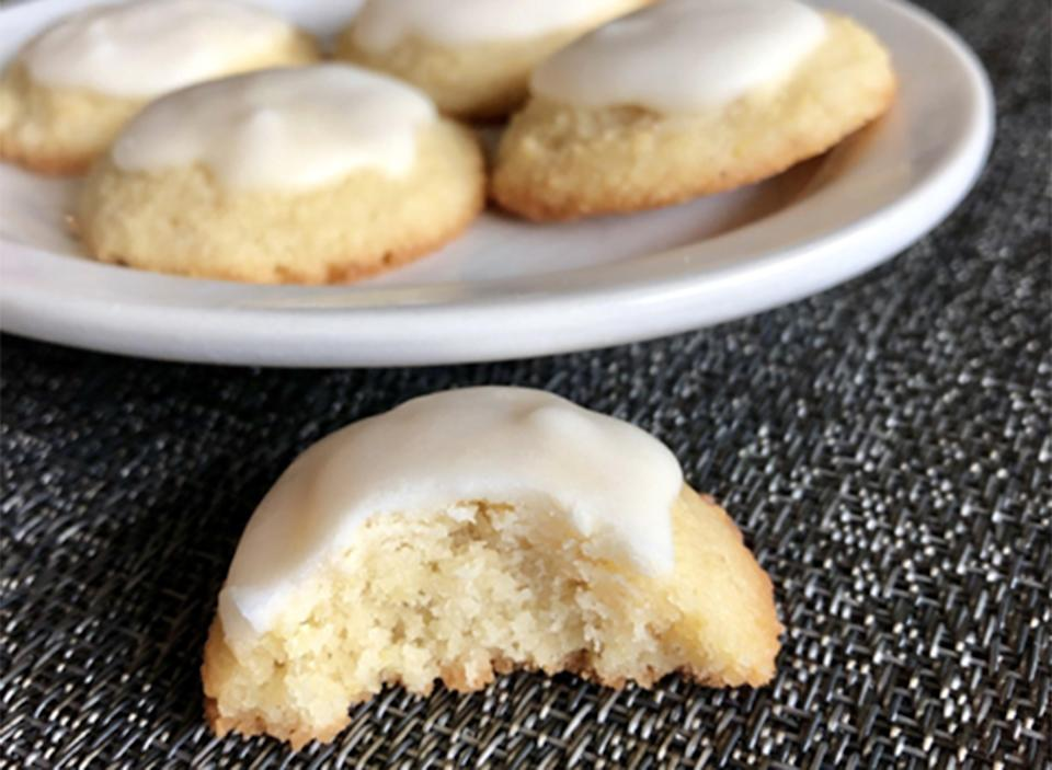 keto iced lemon cookies