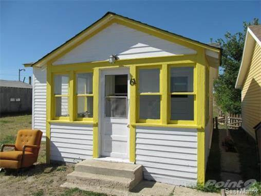 <p>No. 16: <span>61 1st Avenue W.</span><br> Shaunavon, Sask.<br> $35,000<br> 440 square feet<br> (Point2Homes) </p>
