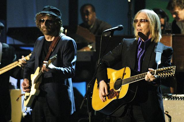 <p>Tom Petty and fellow Traveling Wilbury Jeff Lynne at the Waldorf Astoria during George Harrison's induction into the Rock & Roll Hall of Fame in New York City, March 15, 2004. (Photo: Kevin Mazur/Getty Images) </p>