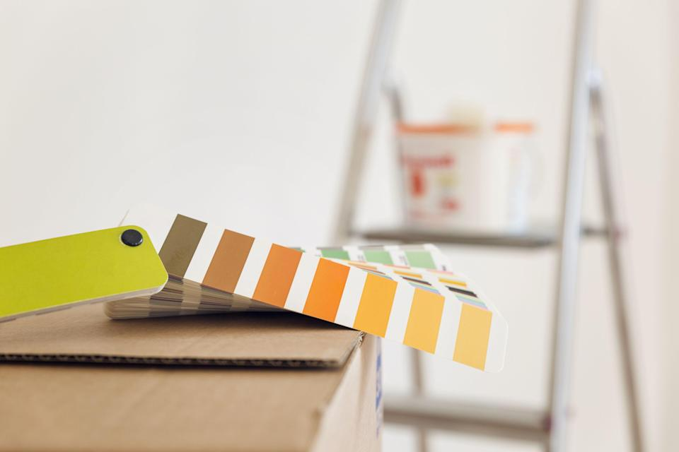 """<p><strong>New research has uncovered the quickest home improvement projects that will deliver big results in less than 34 hours — and they're easy for everyone to give a go. </strong></p><p>Estate agent, <a href=""""https://barrowsandforrester.co.uk/"""" rel=""""nofollow noopener"""" target=""""_blank"""" data-ylk=""""slk:Barrows and Forrester"""" class=""""link rapid-noclick-resp"""">Barrows and Forrester</a>, have found the 10 home improvements that you can make without any major renovations. From fixing squeaky floorboards to hanging wallpaper, these quick wins will be sure to transform your space in an instant. </p><p>Are there any household jobs that you've been putting off? Set yourself daily or weekly goals, form a plan, and tackle them one job at a time. Your home will benefit and you might be surprised at the sense of achievement you get from it too. </p><p>Want to make a start? Take a look at the quickest home improvement tasks below...</p>"""