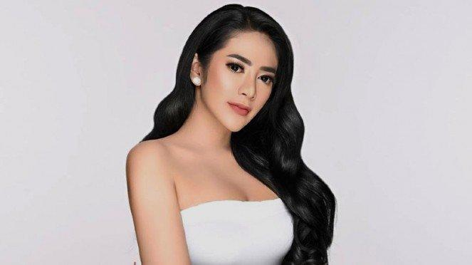 Model cantik Vernita Syabilla