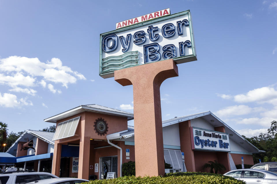 Florida, Bradenton, Anna Maria Oyster Bar. (Photo by: Jeffrey Greenberg/Universal Images Group via Getty Images)