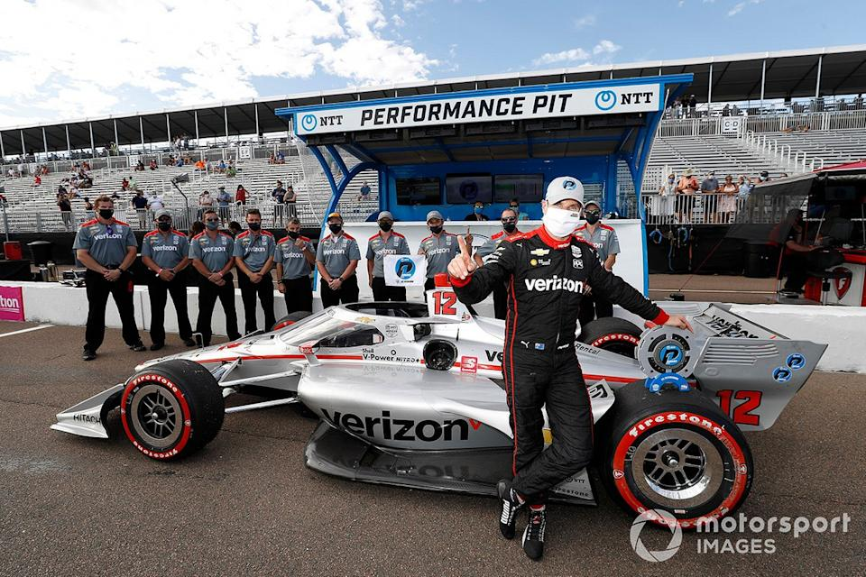 "Ganador de la pole Will Power, Team Penske Chevrolet<span class=""copyright"">Michael L. Levitt LAT Photo USA</span>"