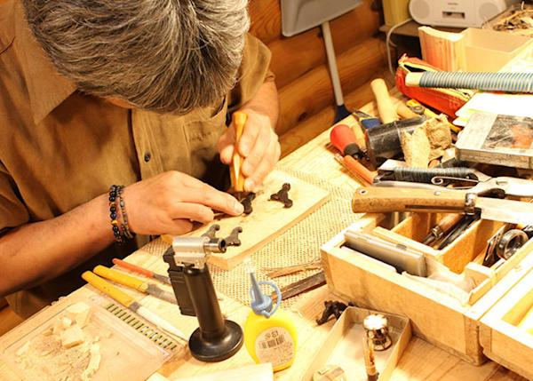 In each shop you can watch the craftsmen creating pieces