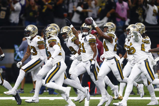 Did the New Orleans Saints defensive players know what was coming against the Dallas Cowboys offense last month? (AP)