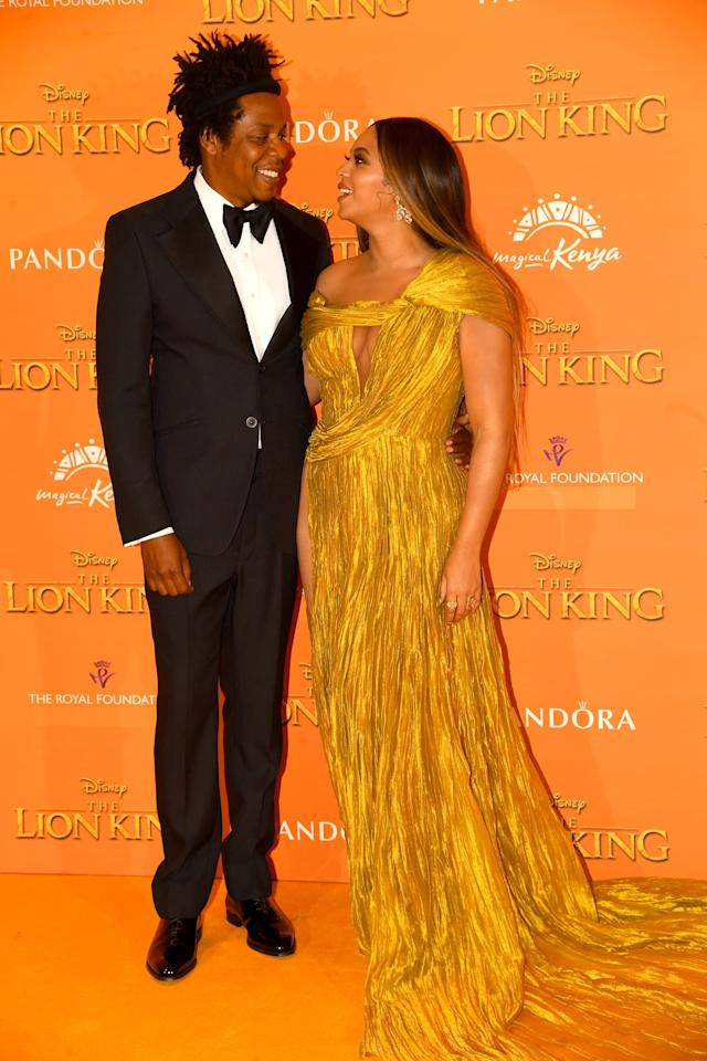 <ul> <li> <strong>What to wear for JAY-Z: </strong>A black tux and a bow tie. </li> <li> <strong>What to wear for Beyoncé:</strong> A gorgeous yellow gown.</li> </ul>