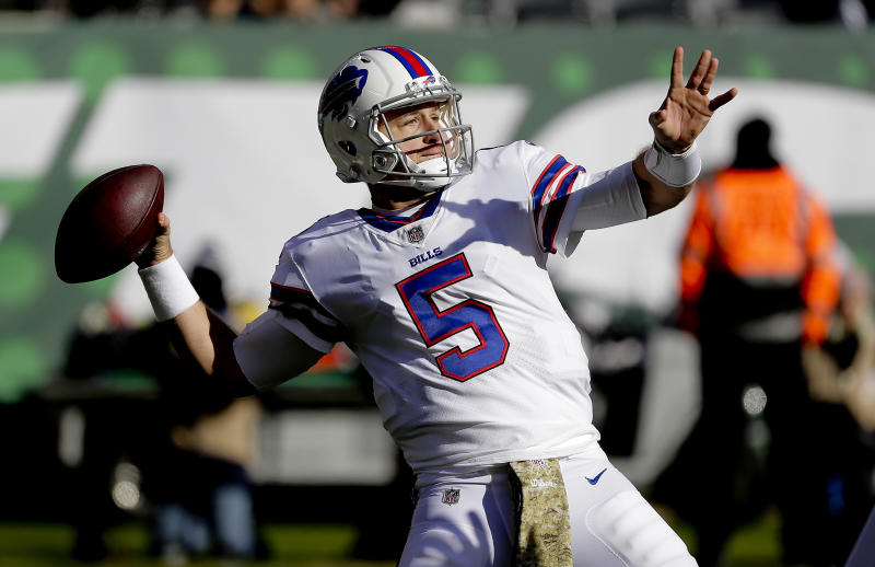Buffalo Bills quarterback Matt Barkley (5) throws during the first quarter of an NFL football game, Sunday, Nov. 11, 2018, in East Rutherford, N.J. (AP Photo/Seth Wenig)