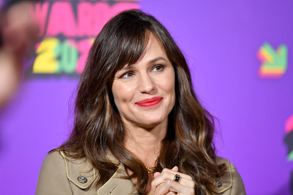 SANTA MONICA, CALIFORNIA - MARCH 13: In this image released on March 13, Jennifer Garner attends Nickelodeon's Kids' Choice Awards at Barker Hangar on March 13, 2021 in Santa Monica, California. (Photo by Amy Sussman/KCA2021/Getty Images for Nickelodeon)