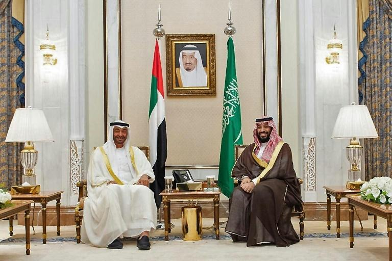 The deadly standoff in Yemen has also exposed an apparent rift between Riyadh and Abu Dhabi, whose respective leaders Crown Prince Mohammed bin Salman, right, and Crown Prince Mohamed bin Zayed al-Nahyan, left, met last month near the holy city of Mecca (AFP Photo/-)