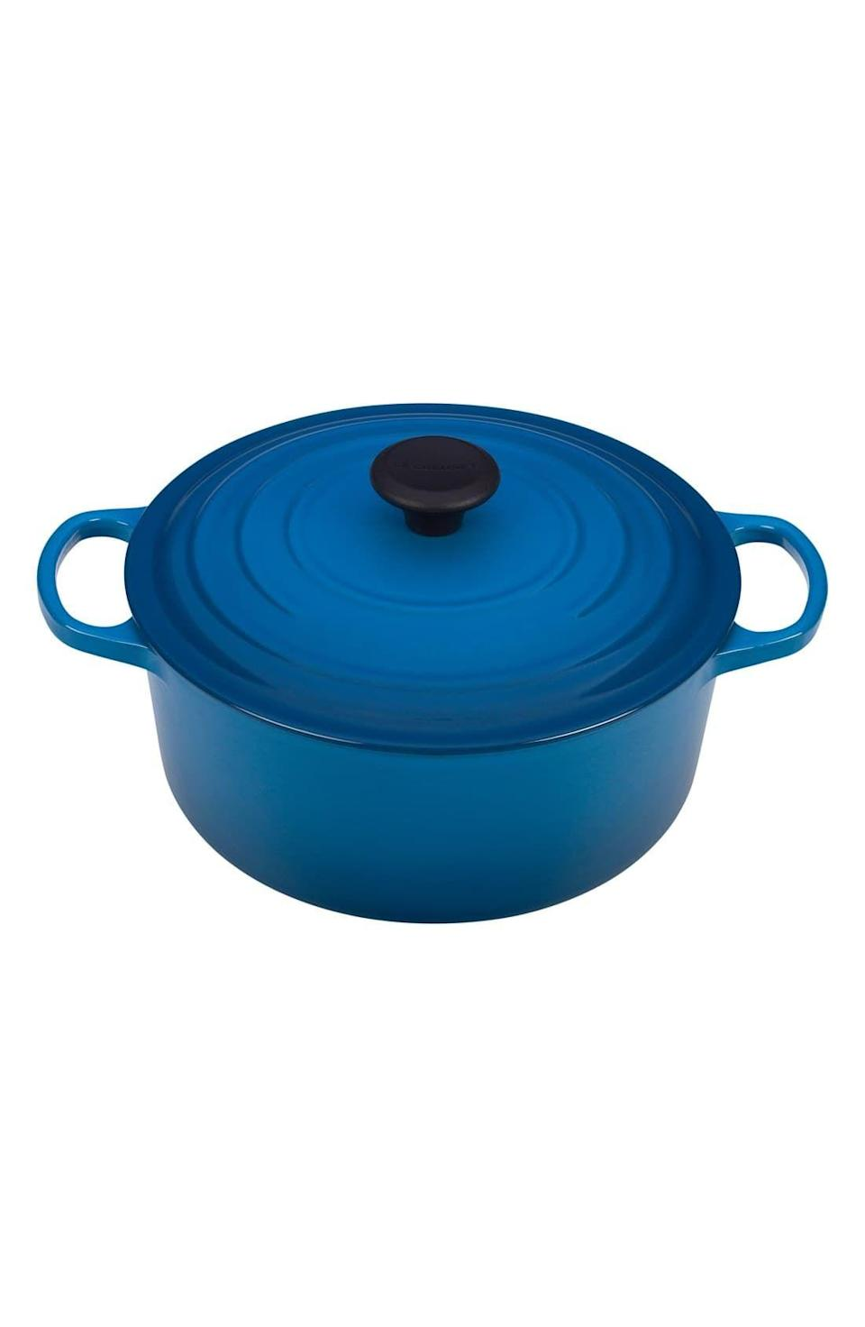 "<p><strong>LE CREUSET</strong></p><p>nordstrom.com</p><p><strong>$360.00</strong></p><p><a href=""https://go.redirectingat.com?id=74968X1596630&url=https%3A%2F%2Fshop.nordstrom.com%2Fs%2Fle-creuset-signature-5-1-2-quart-round-enamel-cast-iron-french-dutch-oven%2F3964287&sref=https%3A%2F%2Fwww.goodhousekeeping.com%2Fholidays%2Fgift-ideas%2Fg28497189%2Fbest-gifts-for-foodies%2F"" rel=""nofollow noopener"" target=""_blank"" data-ylk=""slk:Shop Now"" class=""link rapid-noclick-resp"">Shop Now</a></p><p>If your mom loves to cook for a crowd, this dutch oven from Le Creuset is a top pick. This pot can go from stove to oven to table and comes in an array of vibrant colors.</p>"