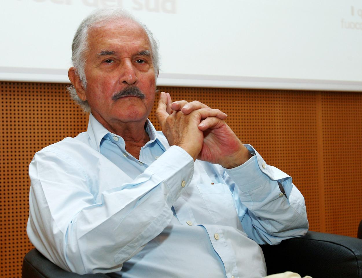 MILAN, ITALY - FILE:  Author Carlos Fuentes attends a cocktail for authors at La Milanesiana 2008 held at Sala Buzzati on July 09, 2008 in Milan, Italy.  Latin American writer Carlos Fuentes died May 15, 2012 in Mexico City.  He was 83.  (Photo by Vittorio Zunino Celotto/Getty Images)
