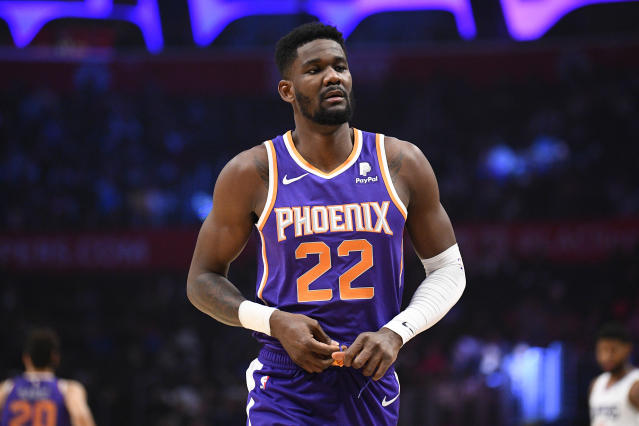 "Deandre Ayton made a surprise return to the <a class=""link rapid-noclick-resp"" href=""/nba/teams/phoenix/"" data-ylk=""slk:Suns"">Suns</a> lineup on Monday. (Brian Rothmuller/Icon Sportswire via Getty Images)"