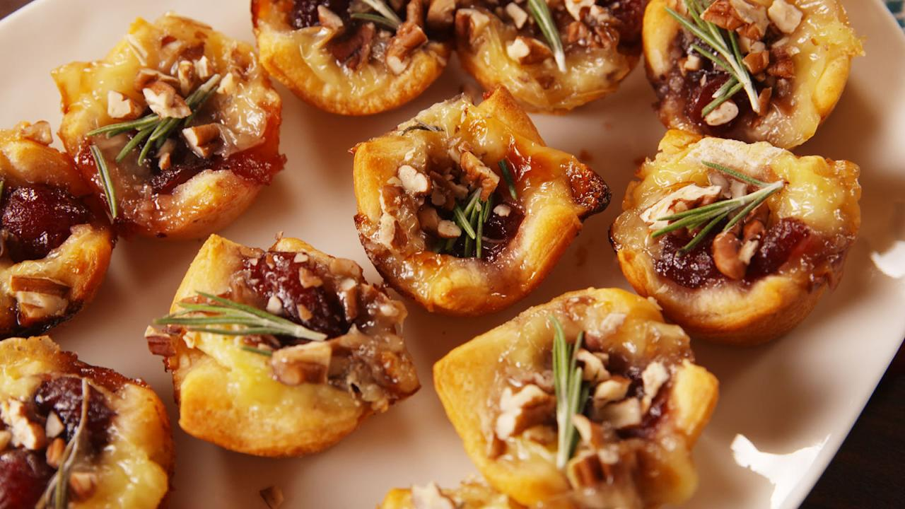 "<p>Get the party started with these pumped up Christmas appetizer recipes.</p><p>Looking for more holiday eats? Try our <a rel=""nofollow"" href=""http://www.delish.com/holiday-recipes/christmas/g2177/easy-christmas-cookies/?visibilityoverride"">best ever Christmas cookies</a>.</p>"