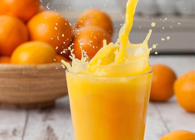 Les jus de fruits, comme le jus d'orange, sont associés au cancer. [Photo: Getty]