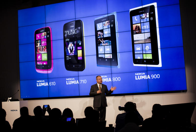 Nokia pins hopes on cheaper Windows smartphone