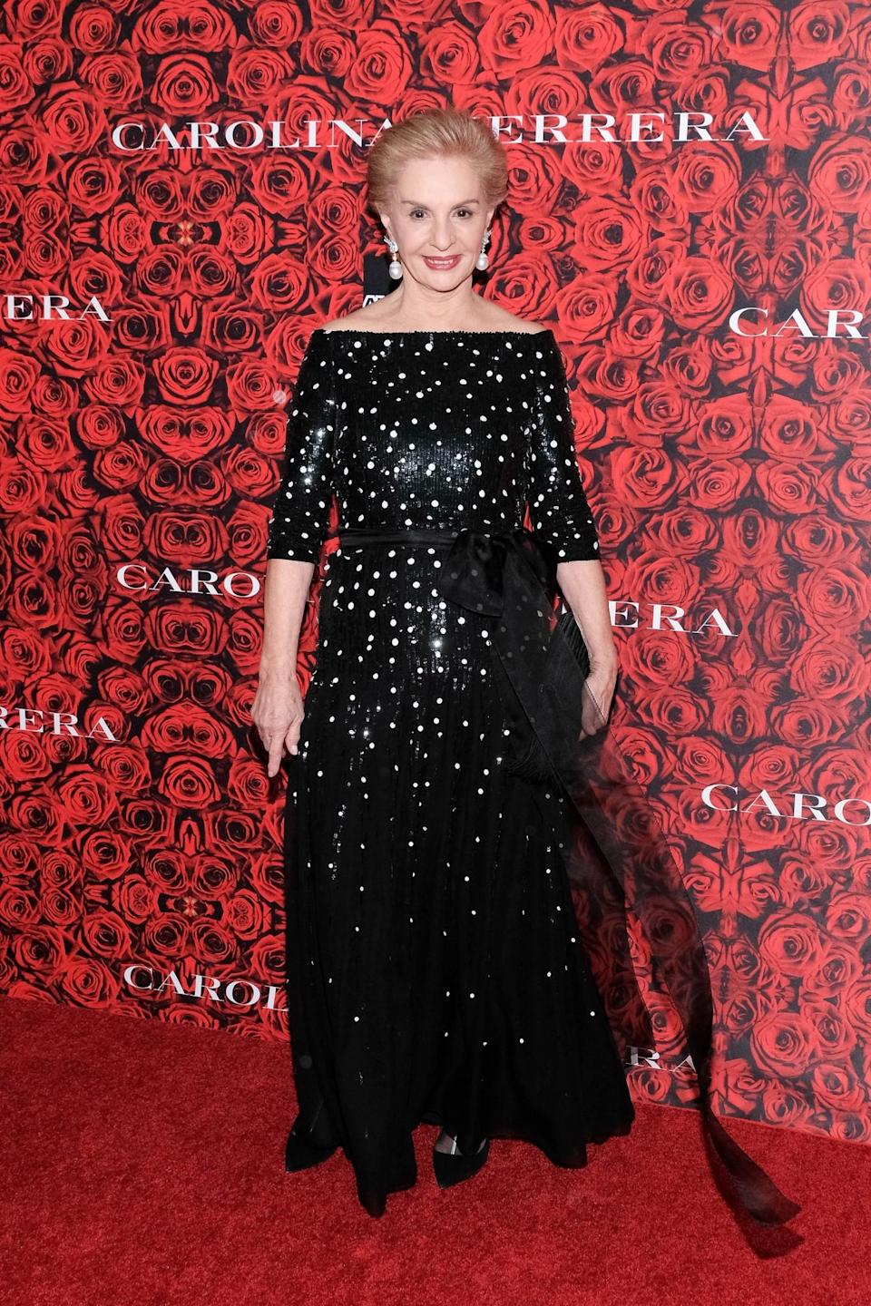 <p>Designer Caroline Herrera looked breathtaking in this off-the-shoulder frock. Inspiration to the max. [Photo: Getty] </p>