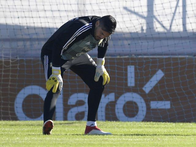 World Cup 2018: Manchester United goalkeeper Sergio Romero ruled out of Argentina squad with knee injury