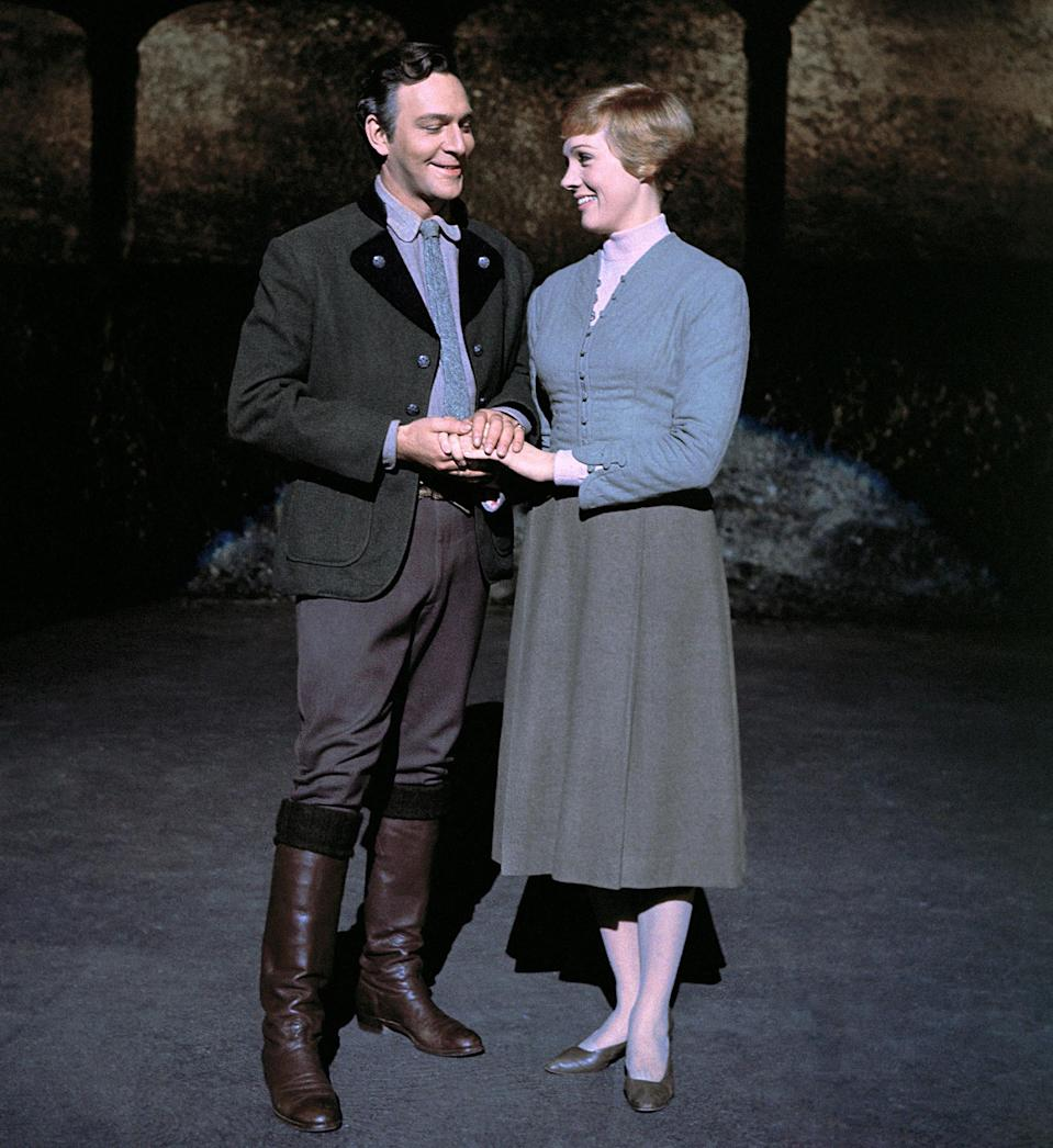 THE SOUND OF MUSIC, from left: Christopher Plummer, Julie Andrews, 1965. (Everett)