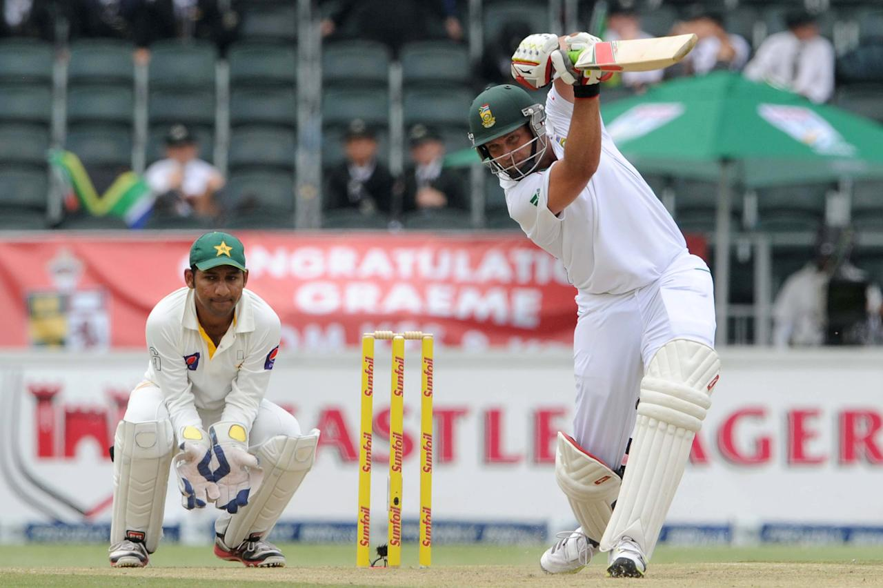 JOHANNESBURG, SOUTH AFRICA - FEBRUARY 01: (SOUTH AFRICA OUT) Jacques Kallis of South Africa in action during day 1 of the first Test match between South Africa and Pakistan at Bidvest Wanderers Stadium on February 01, 2013 in Johannesburg, South Africa. (Photo by Lee Warren/Gallo Images/Getty Images)