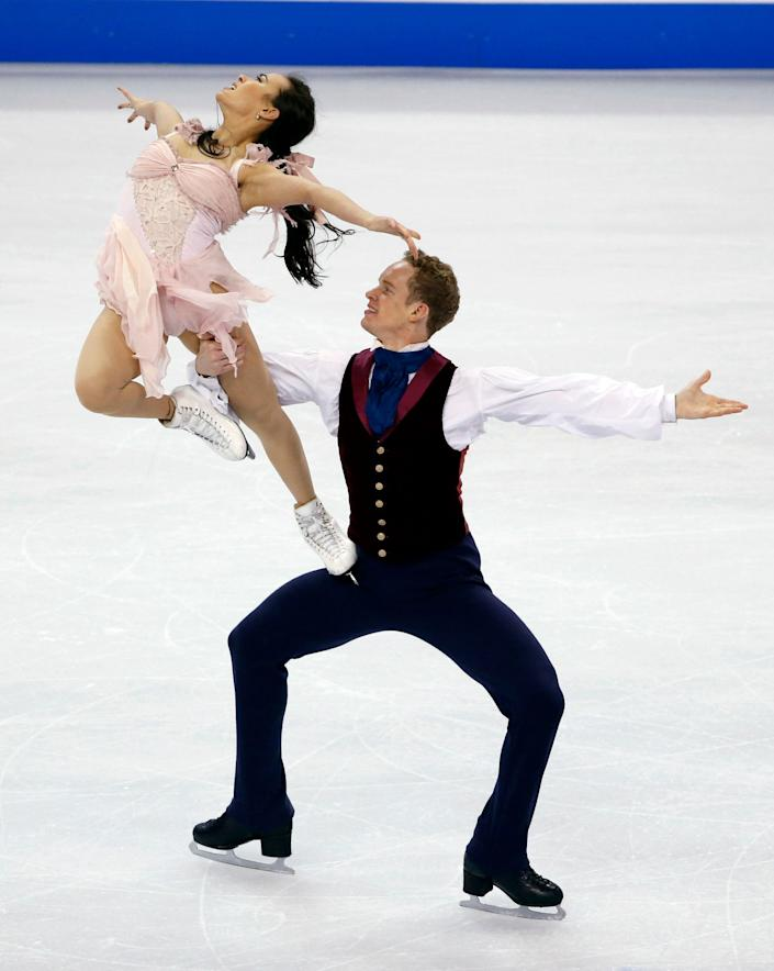 Madison Chock and Evan Bates compete during the ice dance free skate at the U.S. Figure Skating Championships in Boston, Saturday, Jan. 11, 2014. (AP Photo/Elise Amendola)