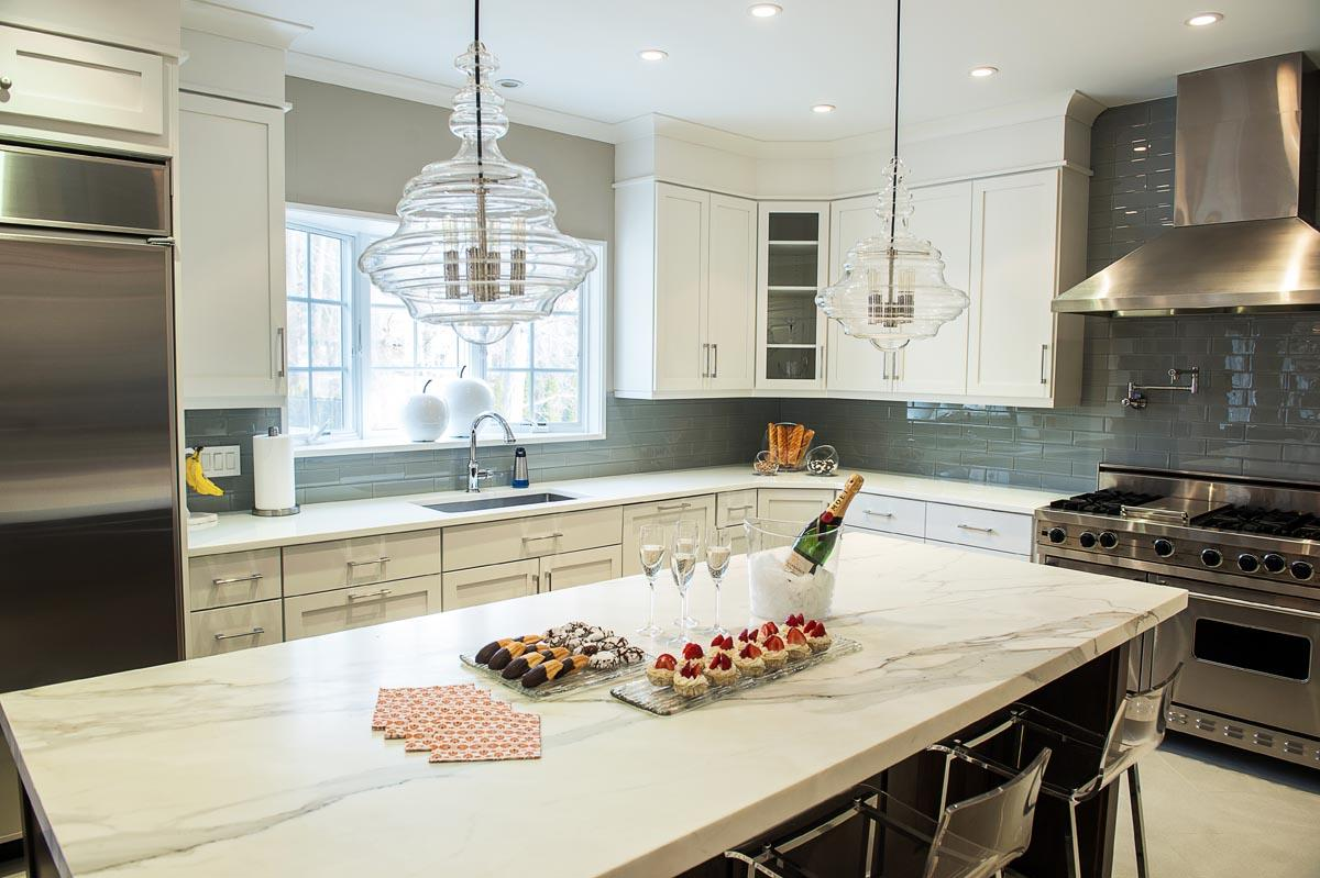 60 best marble countertops in modern kitchens for Creative interior designs by lynda