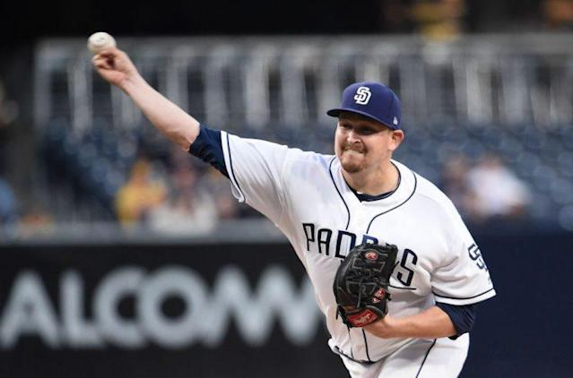 "<a class=""link rapid-noclick-resp"" href=""/mlb/players/8410/"" data-ylk=""slk:Trevor Cahill"">Trevor Cahill</a> highlights this week's look at recent risers and fallers in fantasy baseball (Getty Images)"