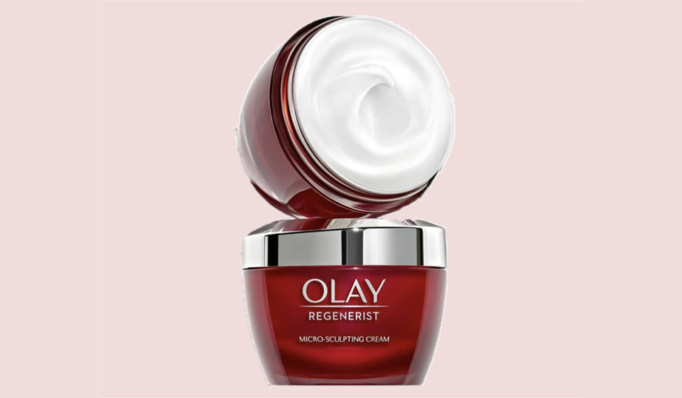 Yes, you can get 25 percent off Regenerist! (Photo: Olay)