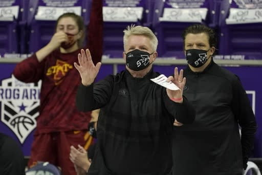Iowa State head coach Bill Fennelley instructs his team in the second half of an NCAA college basketball game against TCU in Fort Worth, Texas, Wednesday, Dec. 2, 2020. (AP Photo/Tony Gutierrez)
