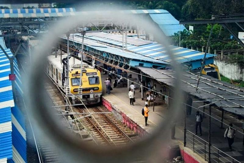 Western Railways to Run 194 Special Services of Mumbai Local Trains from Oct 15 to Avoid Overcrowding