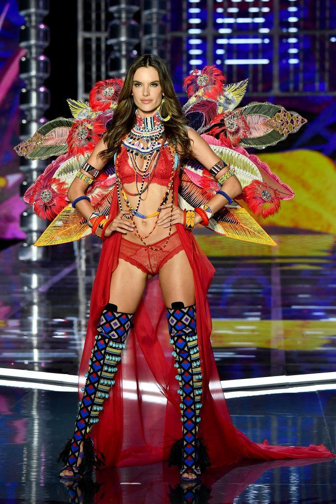 <p>Rumoured to be the last VS Fashion Show the Brazilian model, 36, walks in, the brand ensured she went out with a bang. <em>[Photo: Getty]</em> </p>