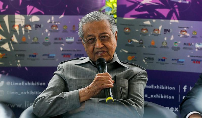Prime Minister Tun Dr Mahathir Mohamed speaks during a press conference at the Langkawi International Maritime and Aerospace Exhibition March 26, 2019. — Picture by Sayuti Zainudin