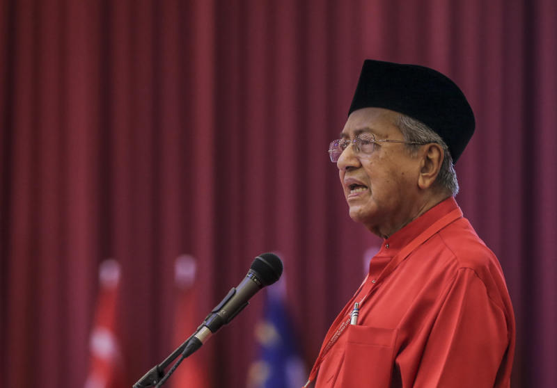 Parti Pribumi Bersatu Malaysia (PPBM) chairman Tun Dr Mahathir Mohamad speaks during Bersatu special assembly, at Malaysia Exposition Park Serdang (MAEPS), Serdang July 20, 2019. — Picture by Firdaus Latif