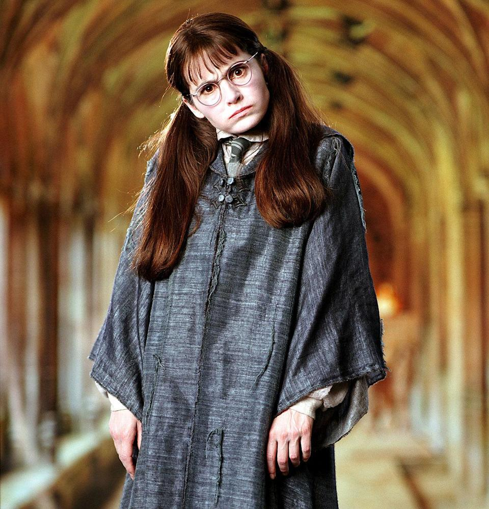 Shirley Henderson as Moaning Myrtle in 'Harry Potter And The Chamber Of Secrets' (2005) Real age at the time: 35 - Character age: 15