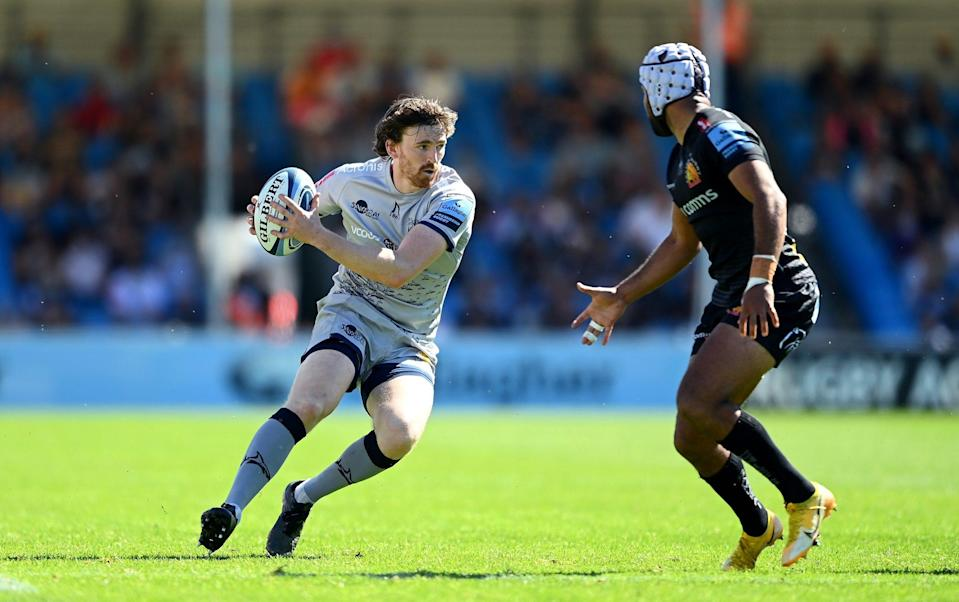 AJ MacGinty of Sale Sharks takes on Tom O'Flaherty of Exeter Chiefs during the Gallagher Premiership Rugby match between Exeter Chiefs and Sale at Sandy Park - GETTY IMAGES