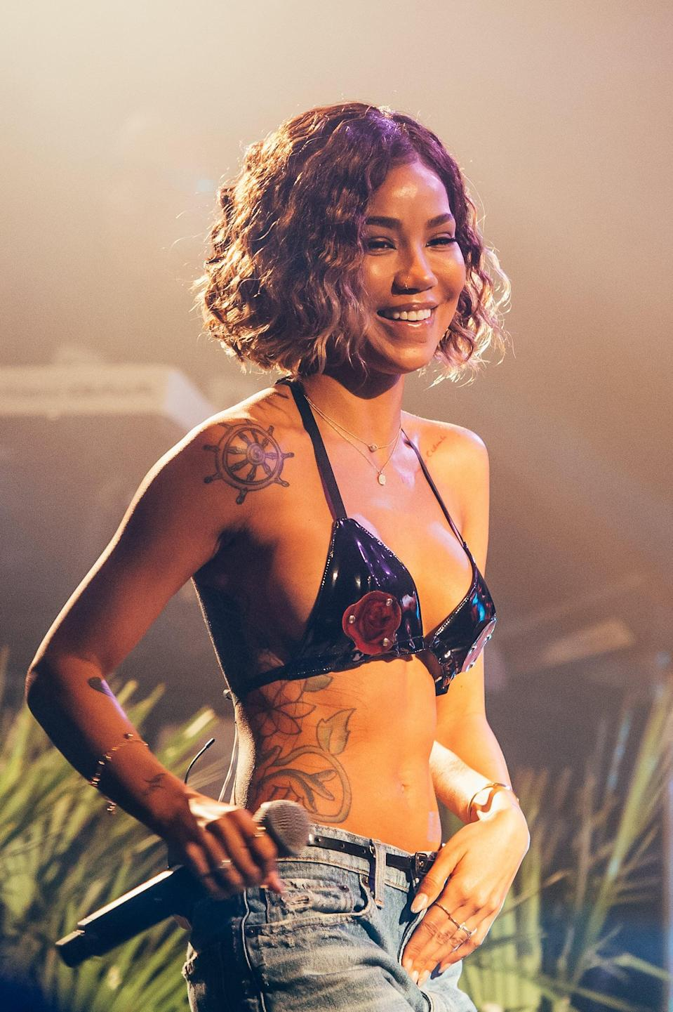 <p>Singer Jhené Aiko showed off her wavy bob while performing in 2018.</p>