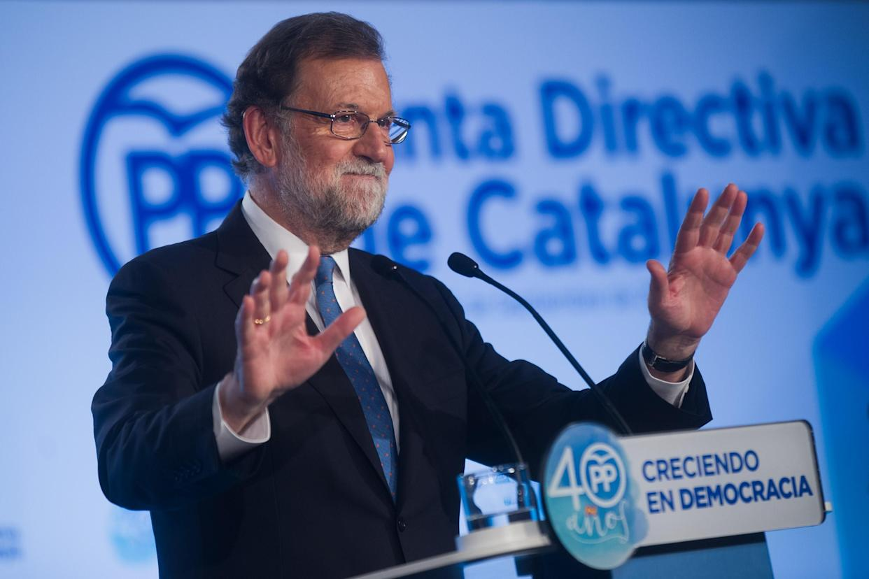Spanish Prime Minister Mariano Rajoy delivers a speech during a regional party meeting at the World Trade Center in Barcelona, Sept. 15, 2017. (Photo: Lola Bou/Anadolu Agency/Getty Images)