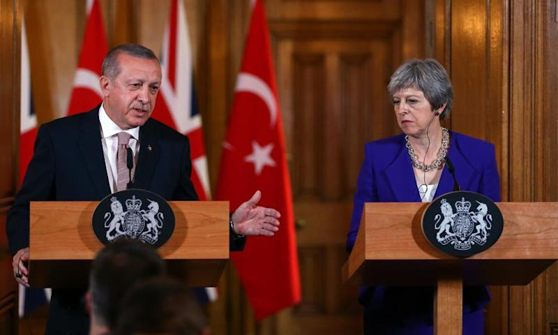 Turkey's President Erdoğan with UK prime minister Theresa May.
