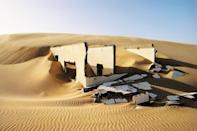 <p>Sahara Desert ruins in Mauritania // March 18, 2016</p>