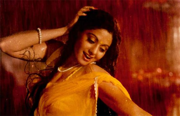 <b>4. Sridevi</b><br>Sridevi, or Bollywood's 'Chandni', was the supposed arch rival of Madhuri in the 90s and rightly so. She was the only one who could give her competition at the time. Given her talent, filmmakers obviously clamoured to get her to sign their films. Her versatility was superb which was seen in 'Chaalbaaz' (a Seeta Aur Geeta remake), where she played totally opposite characters with ease. She lent her sexy charm to probably the 1st sci-fi movie of Bollywood, 'Mr. India', with her saucy number – Kaate nahin kat te. Her funny antics as Hawaa Hawaai or serious mentally challenged roles in 'Sadma' drew equal applause from the audiences. Truly an iconic actress, we just can't wait for her return with 'English Vinglish'.
