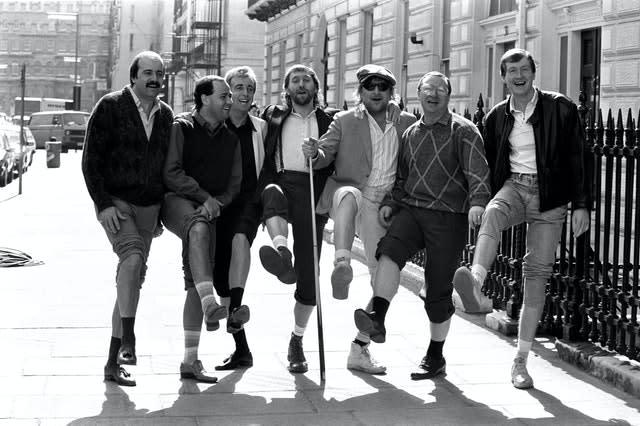 Willie Thorne (left) with Chas 'n' Dave and the 'Matchroom Mob' at the release of 'Snooker Loopy' (PA).