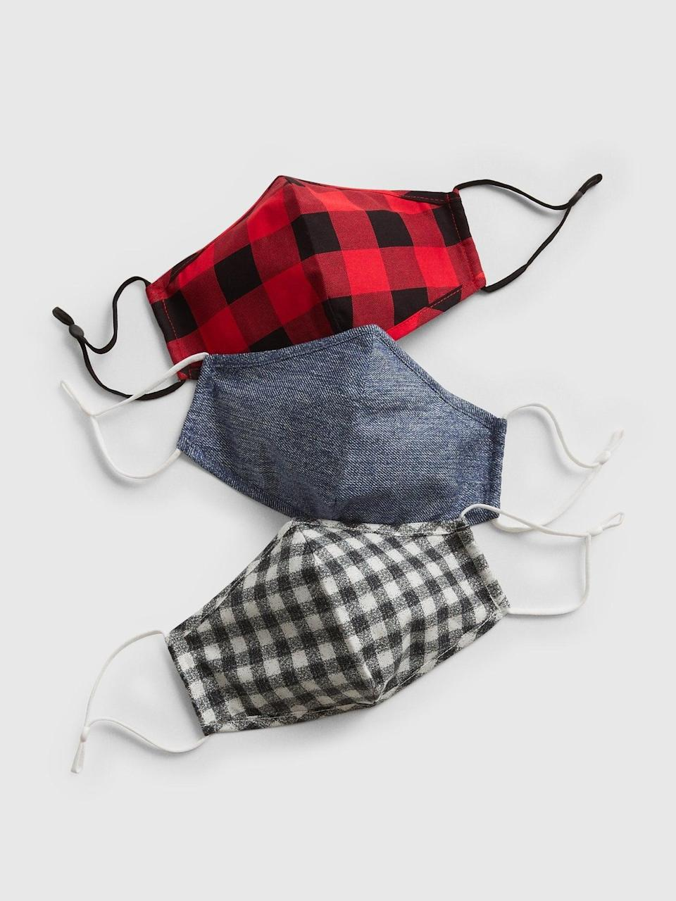 <p>An easy stocking stuffer that everyone could use, we love the checks on these <span>Gap Adult Contour Mask with Filter Pocket (3-Pack)</span> ($5, originally $18).</p>