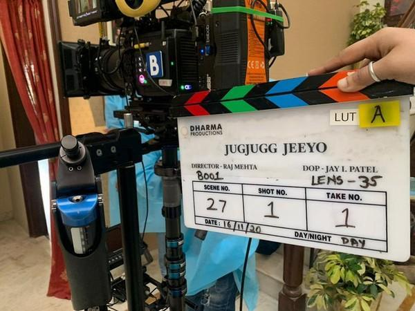 A picture of the clapperboard from shoot of 'Jug Jug Jeeyo' (Image Source: Twitter)